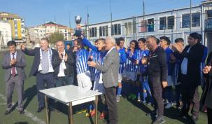 Yenisahra Spor 16. kupasını kaldırdı!