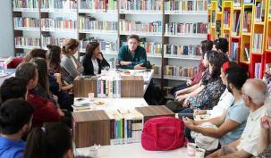 Kitap Cafe'nin ilk konuğu Tuna Kiremitçi