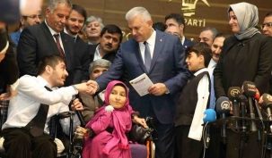Engelliler Başbakan Yıldırım'ı ziyaret etti
