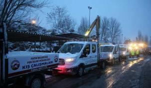 Fatih'te Kar çalışması aralıksız sürüyor