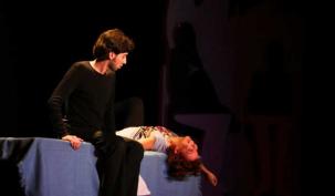 Uyuşturucuyla mücadele tiyatro sahnesinde