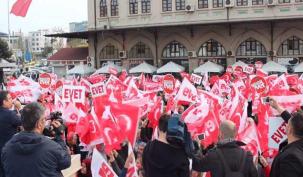Kadıköy 'Evet' sesleriyle inledi
