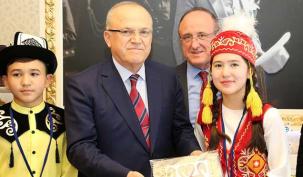 Ataşehir 23 Nisan'ı yabancılarla kutladı