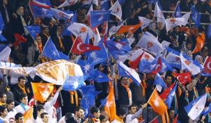 AK Parti'de Cumartesi heyecanı