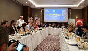 Ahmet Özcan'a süpriz plaket